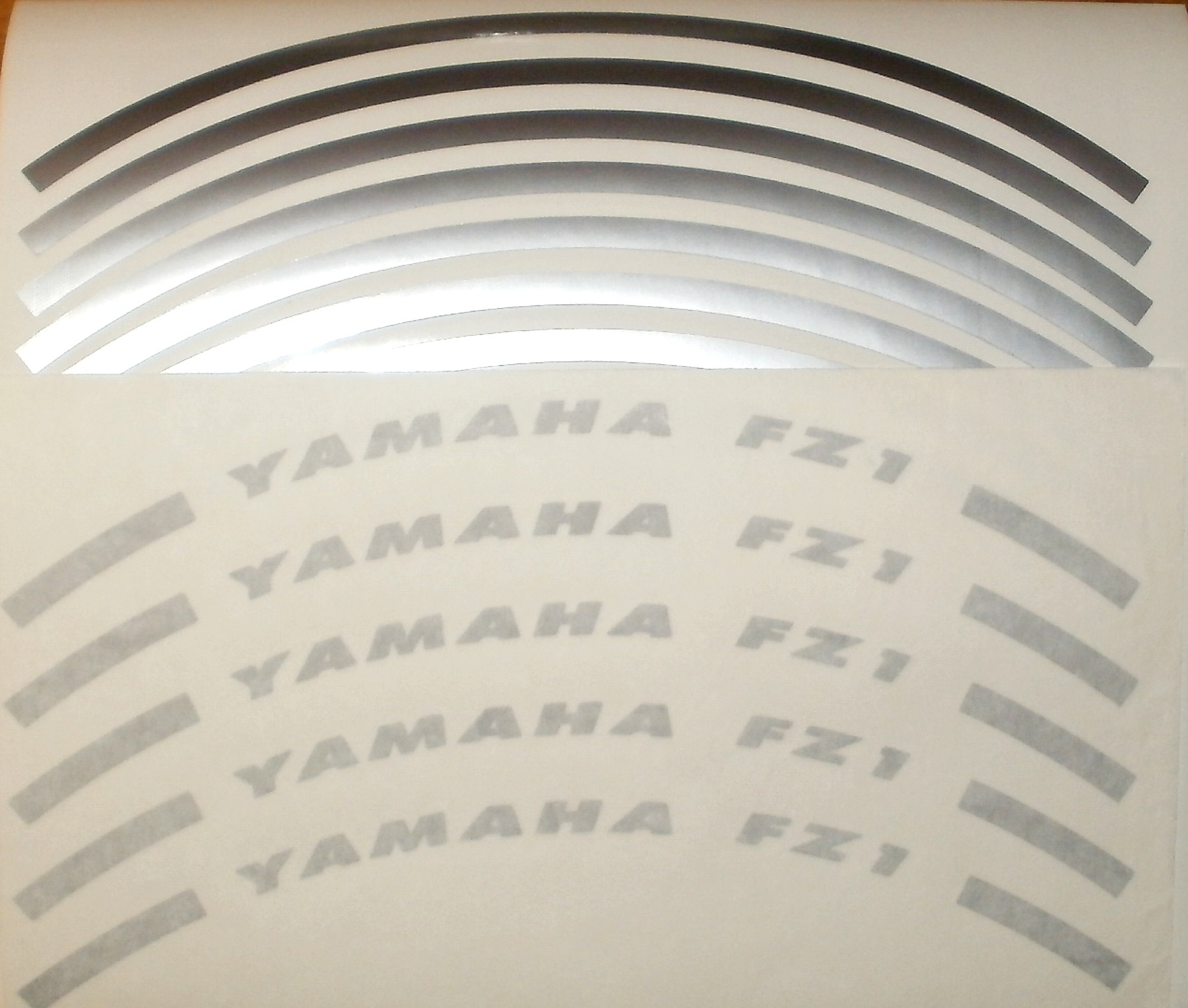 Felgenrandaufkleber Yamaha FZ1 silber