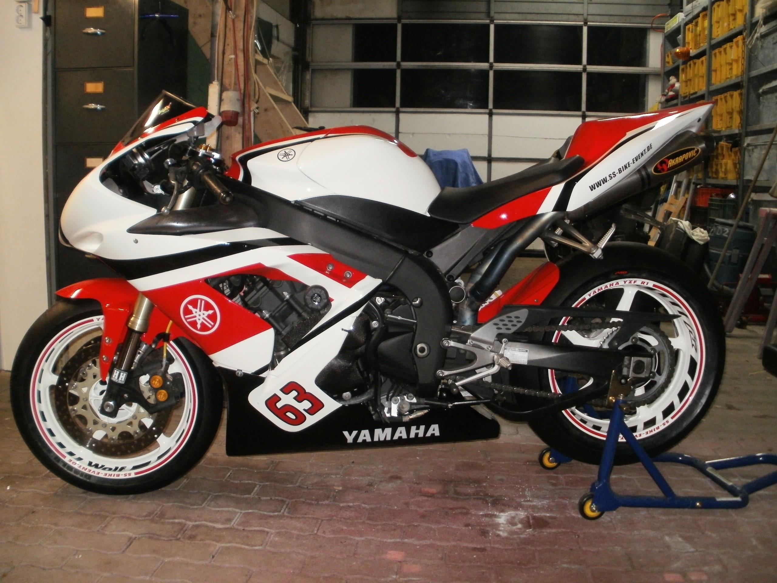 Felgenbettaufkleber Yamaha YZF R1 schwarz