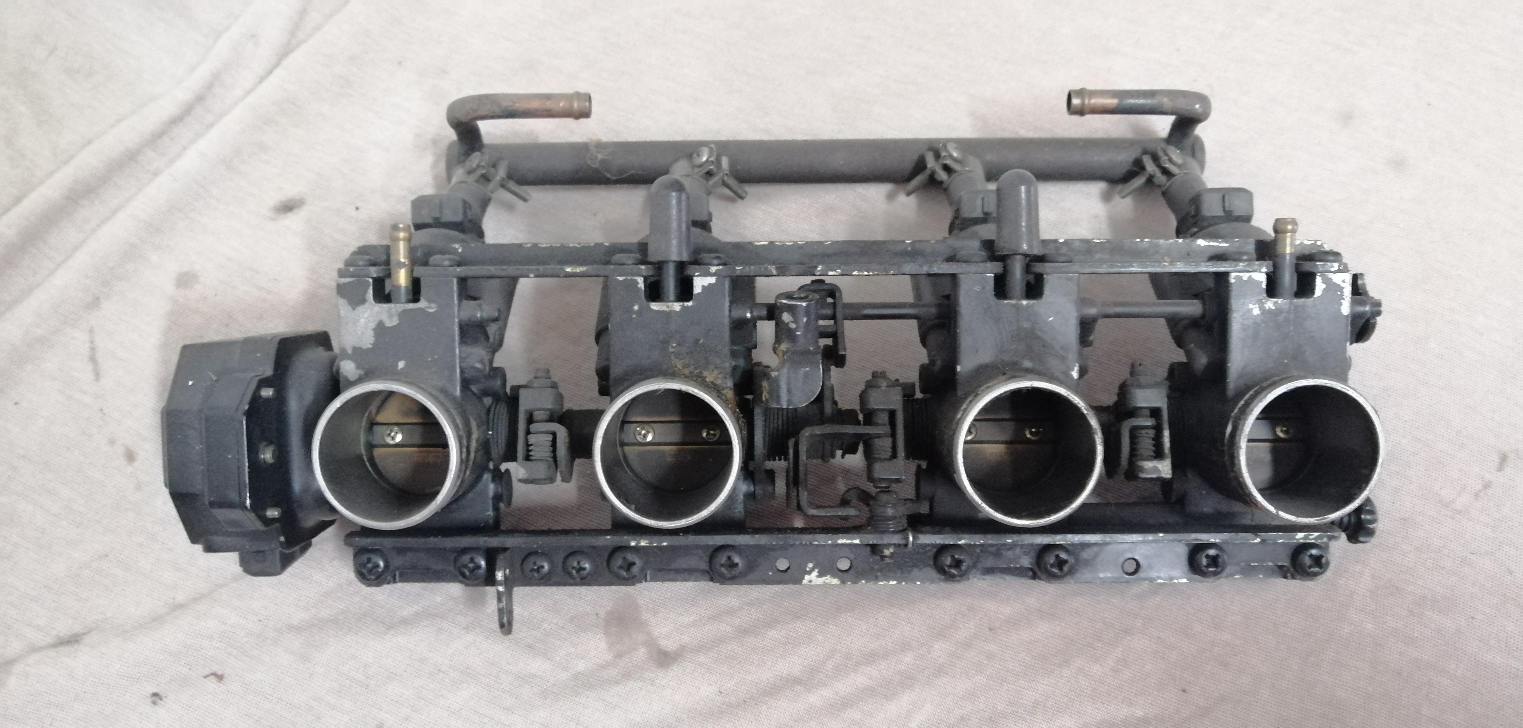 Kawasaki GPz 1100 UT Einspritzanlage Einspritzung